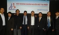 Memperingati ultah ke-3 berdirinya Asosiasi Wirausaha Vietnam di Perancis