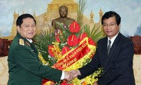 Tentara Laos berjanji bahu-membahu dengan tentara Vietnam untuk membela hubungan dua negara.