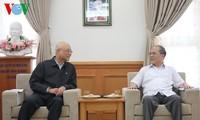 Ketua MN Vietnam, Nguyen Sinh Hung mengunjungi zona ekonomi Vung Ang