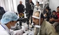 Organisasi internasional Orbis mensponsori proyek-proyek perawatan mata di provinsi Thua Thien Hue pada tahun 2015