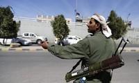 Pasukan Houthi menduduki Istana Presiden di Aden