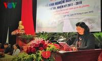 Memusatkan solusi-solusi meningkatkan peranan pengawasan dari Dewan Rakyat berbagai tingkat