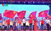 "Melanjutkan aktivitas-aktivitas ""Pariwisata Merah – Mengikuti jejak kaki Presiden Ho Chi Minh"" dan Festival rakyat perbatasan Vietnam-Tiongkok"