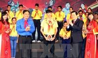 Upacara Pemujian Nasional ke-8 Cucu yang baik dari Paman Ho