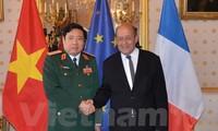 Vietnam dan Perancis memperkuat hubungan pertahanan