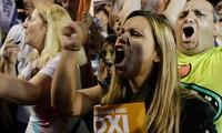 Penduduk Yunani menolak rencana memperketat ikat pinggang