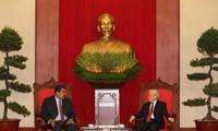 Presiden Republik Bolivariana Venezuela mengakhiri secara baik kunjungan resmi di Vietnam