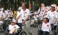 Memberikan sumbangan pendapat tentang pelaksanaan kebijakan dan undang-undang terhadap kaum lansia dan penyandang cacad