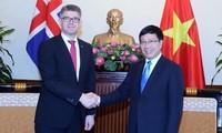 Deputi PM, Menlu Vietnam menerima Menteri Luar Negeri dan Perdagangan Luar Negeri Islandia, Ketua Senat Belgia, Christine Defraigne