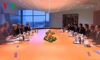 Presiden Vietnam, Truong Tan Sang melakukan pembicaraan dengan Kanselir Jerman, Angela Merkel