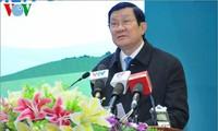 Presiden Vietnam, Truong Tan Sang menghadiri acara evaluasi Program sapi bibit untuk membantu para warga di daerah perbatasan