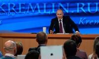 Presiden Rusia, Vladimir Putin mengadakan jumpa pers periodik