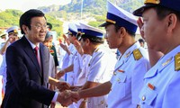 Presiden Vietnam, Truong Tan Sang menghadiri acara peresmian Pelabuhan Laut Internasional Cam Ranh