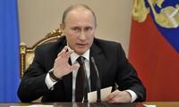 Presiden Rusia, V.Putin melakukan perombakan personalia berskala besar