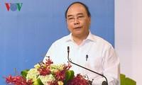 PM Nguyen Xuan Phuc menekankan solusi supaya pariwisata memberikan sumbangan sebesar 10% pada GDP