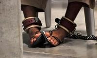 AS melakukan gelombang pemindahan tahanan terbesar dari penjara Guantanamo