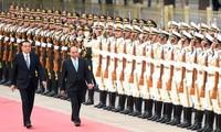 Kunjungan PM Nguyen Xuan Phuc di Tiongkok merupakan tenaga pendorong baru untuk mendorong hubungan kerjasama ekonomi dan perdagangan antara dua negara