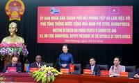 Wapres Republik Afrika Selatan melakukan kunjungan di Kota Hai Phong