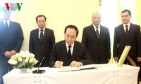 Presiden Vietnam, Tran Dai Quang berziarah kepada Raja Thailand, Bhumibol Adulyadej