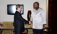 Kepala Departemen Ekonomi KS PKV, Nguyen Van Binh melakukan kunjungan kerja di Afrika Selatan