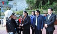 Wakil Ketua MN Vietnam, Tong Thi Phong melakukan kunjungan kerja di provinsi Cao Bang