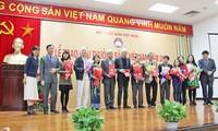 Sembilan puluh hasil cetakan mendapat penghargaan buku Vietnam - tahun 2016
