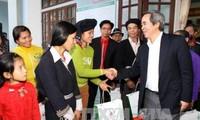 Para pemimpin Partai dan Negara mengunjungi dan menyampaikan ucapan selamat Hari Raya Tet di daerah-daerah di Vietnam