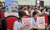 Vietnam melakukan sosialiasi untuk menyambut Hari Dunia Tanpa Rokok (31/5)
