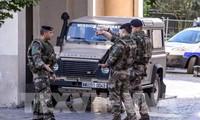 Perancis menangkap seorang tersangka yang bersangkutan dengan serangan teror dengan mobil