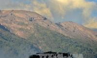 Indonesia meningkatkan peringatan tentang bahaya gunung berapi di Bali ke tingkat tertinggi