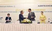 Maskapai Vietnam Airlines dan Air France menandantangani kontrak patungan kerjasama komprehensif