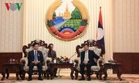 55 tahun hubungan Vietnam-Laos: PM Laos menjunjung hasil-guna kerjasama antara Kementerian Hukum dua negara