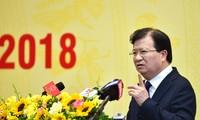 Deputi PM Vietnam, Trinh Dinh Dung menghadiri konferensi EVN tentang penggelaran tugas tahun 2018