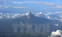 Filipina memperluas perintah pengungsian karena mengkhawatirkan erupsi gunung berapi Myon
