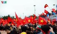 Tim sepak pola U-23 Vietnam meninggalkan selar bagi kalangan pers internasional
