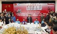 Pengurus Besar Liga Pemuda Komunis Ho Chi Minh melakukan temu pergaulan dengan para atlet Tim sepak bola U-23 Vietnam