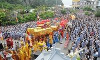 Puluhan ribu orang berpartisipasi pada Festival Kwan Im Ngu Hanh Son 2018