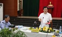 Deputi PM Vietnam, Trinh Dinh Dung memeriksa proyek bandara Long Thanh, Provinsi Dong Nai