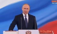 Vladimir Putin dilantik menjadi Presiden Federasi Rusia untuk masa bakti ke-4