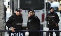 Turki menangkap kira-kira 40 tersangka IS