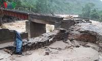 Provinsi-provinsi di daerah pegunungan di Viet Nam Utara mengatasi akibat hujan dan banjir