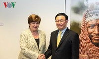 Bank Dunia dan Dana Moneter Internasional berkomitmen membantu Viet Nam mengembangkan ekonomi