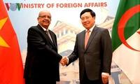 Memperkuat hubungan Viet Nam-Aljazair