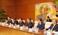 Kepala Departemen Organisasi KS PKV, Pham Minh Chinh menerima Utusan Khusus PM Jepang