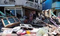 Gempa dan tsunami di Indonesia: Memperkuat pasukan pertolongan dan menjamin keamanan di Palu