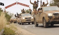 Tentara Suriah memperkuat operasi menyapu bersih IS