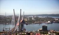 Pesawat yang membawa delegasi RDRK tiba di Kota Vladivostok, Rusia