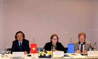Mengumumkan selesai-nya proses ratifikasi dan pengesahan Perjanjian VPA/ELEGT