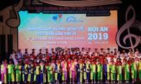 Kira-kira 1.000 seniman ikut serta dalam Kompetisi keenam paduan suara internasional Vietnam