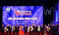 """Memuliakan 19 kolektif dan perseorangan dalam Program """"Jayalah Vietnam"""" yang ke-15"""